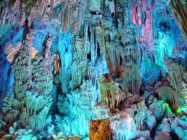 Najzanimljivije  pećine na svijetu - Page 4 Ludi-Yan3