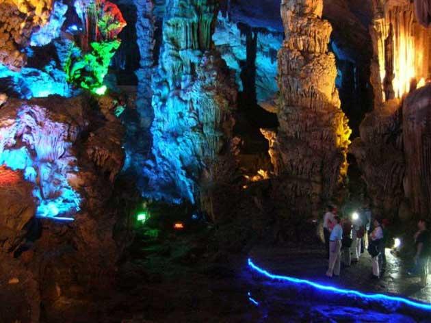 Najzanimljivije  pećine na svijetu - Page 4 Ludi-Yan6