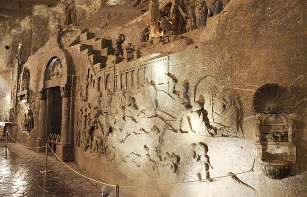 Zanimljivosti iz  geografije - Page 4 Podzemna-Katedrala-od-Soli2