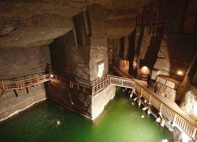 Zanimljivosti iz  geografije - Page 4 Podzemna-Katedrala-od-Soli7
