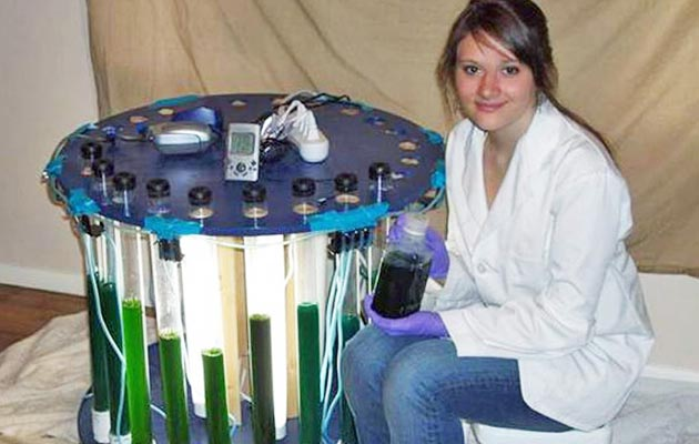 Sara je neka istraživanja vršila u pravim laboratorijima, ali većinu stvari otkrila je sama u spavaćoj sobi.