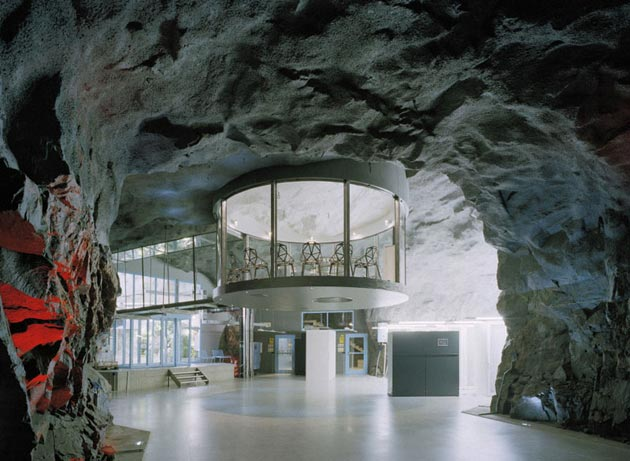 Bahnhof2