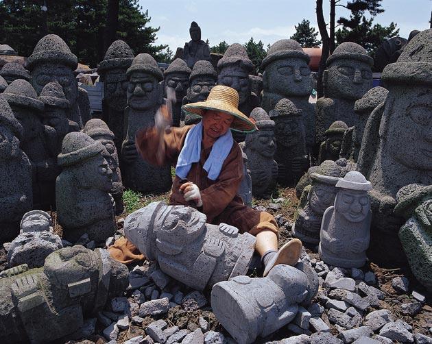 Dol Hareubang - ikonične skulpture od kamen akoje se mogu pronaći širom otoka