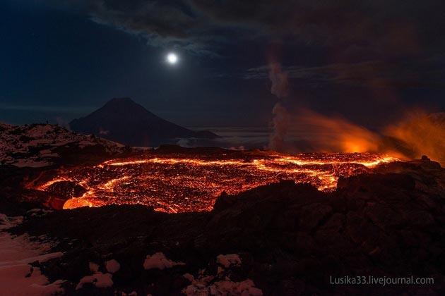 Plosky-Tolbachik-vulkan2