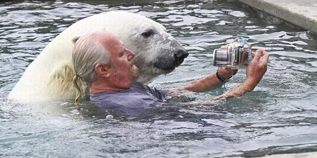 covjek-i-polarni-medvjed3