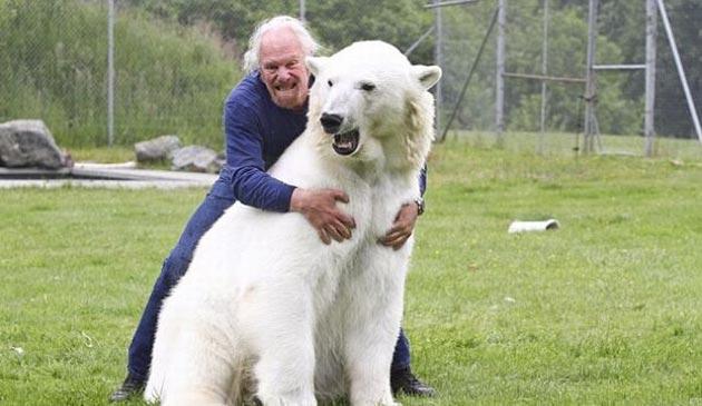 covjek-i-polarni-medvjed6
