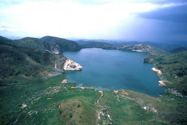 Jezero-Nyos-1