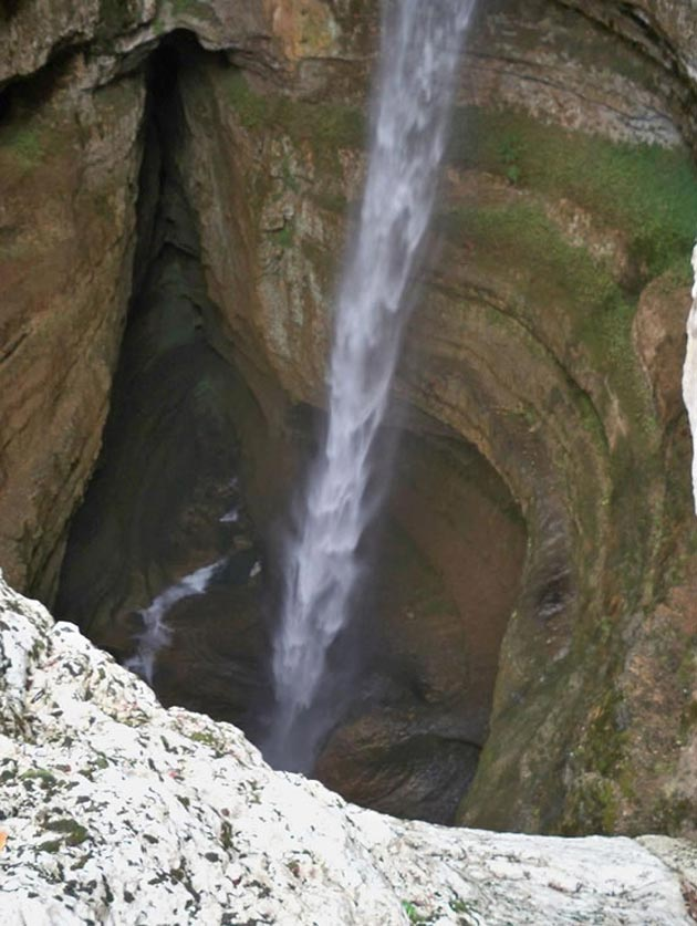 Baatara-gorge-vodopad-3