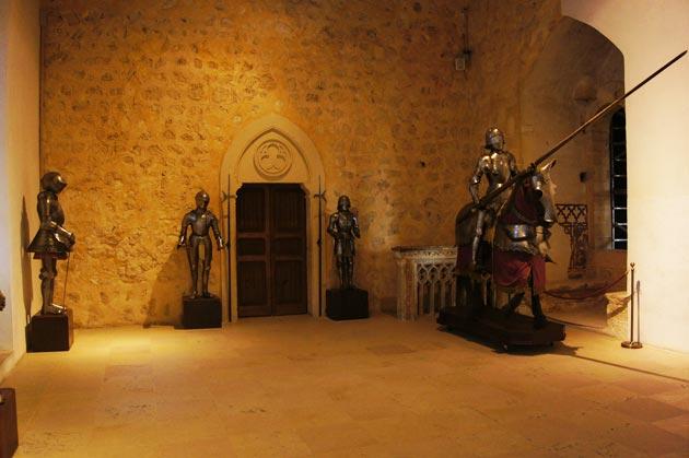 Dvorci koje verovatno nikada nećete posedovati - Page 3 Alcazar-de-Segovia-10