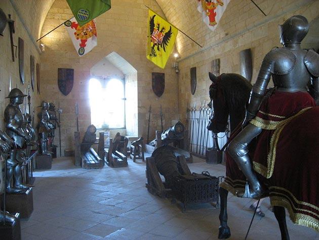 Dvorci koje verovatno nikada nećete posedovati - Page 3 Alcazar-de-Segovia-8