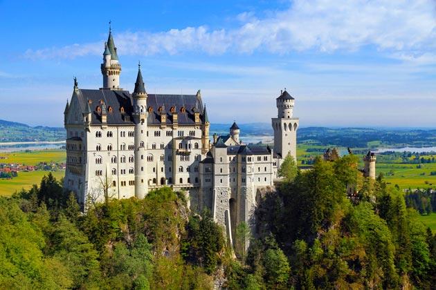 Dvorci koje verovatno nikada nećete posedovati - Page 3 Neuschwanstein-2