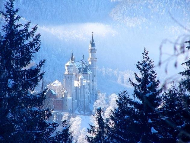 Dvorci koje verovatno nikada nećete posedovati - Page 3 Neuschwanstein-3