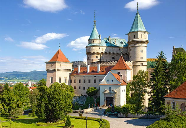 Rezultat slika za dvorci slovačke