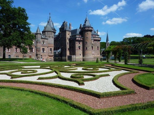 Dvorci koje verovatno nikada nećete posedovati - Page 3 Kasteel-de-Haar-12