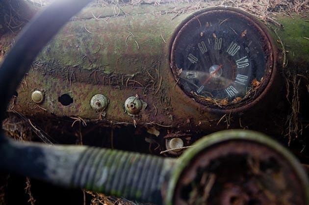 auto-groblje-4