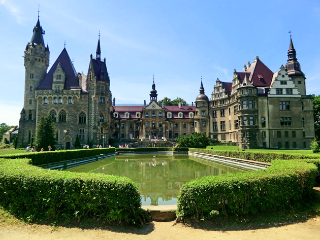Dvorac-Moszna-1